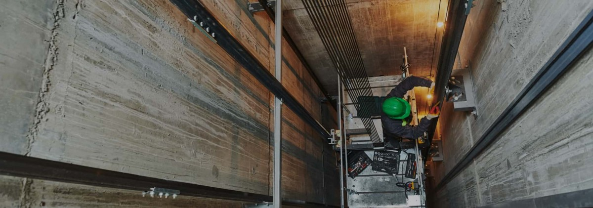 Belvidere Lifts Case Studies Lift Engineer in a Lift Shaft